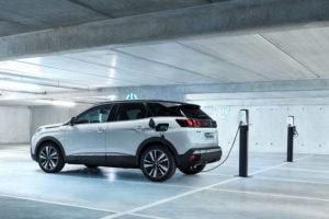 Motori – Peugeot abbraccia l'ibrido