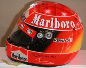 All'asta centinaia di cimeli Ferrari, c'è anche i caschi di Schumi